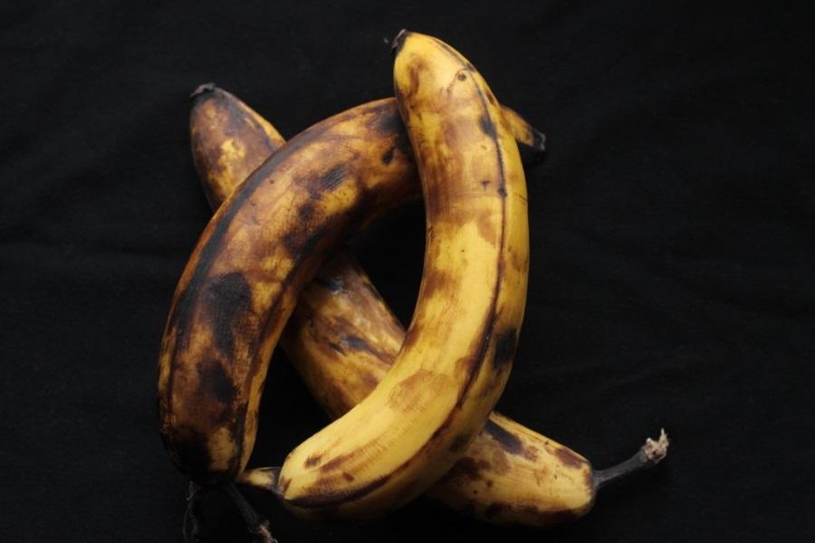 Как приготовить бананово-клюквенный пирог