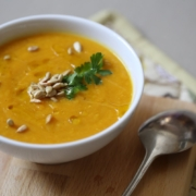 Пряный согревающий суп из красной чечевицы