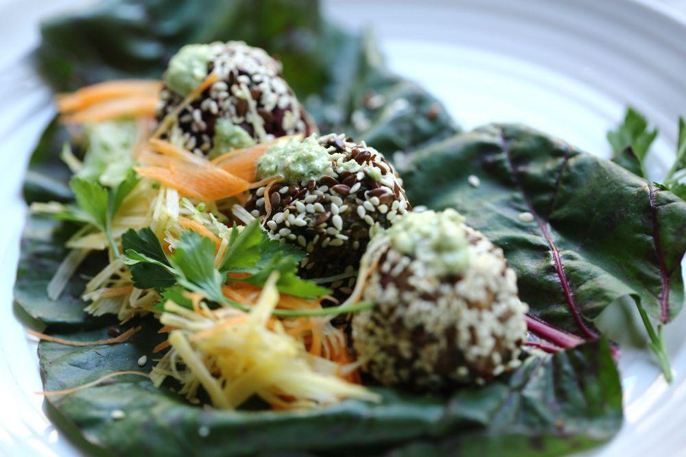 Разноцветные овощные шарики а-ля фалафель