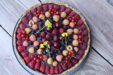 Шоколадно-малиновый тарт в овсянно-кокосовом корже или симпатичный веганский тортик для маленькой всеядной девочки