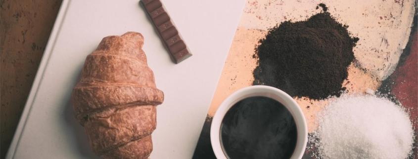 Резкий и нервный голод — симптом избытка сахара