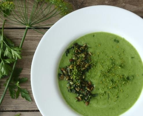 Холодный летний суп из огурца и авокадо